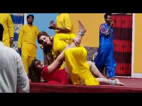 Video MaHNooR & Afreen Hot Mujra Dance 2017 download in MP3, 3GP, MP4, WEBM, AVI, FLV January 2017