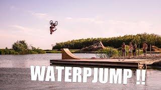 Nyár + BMX + Tó = Waterjump !!!RIDEZONE:https://www.thebase.hu/markak/ride-zoneHa tetszett a videó, DOBJ EGY LIKEOT, és IRATKOZZ FEL a csatornára!!@gegeplgr@imigog@patrick_kempf@zozokempfELITEBMX:www.elitebmxshop.comVOCALBMX:www.vocalbmx.comTHE BASEwww.thebase.huKÖVESSETEK:Instagram:https://www.instagram.com/zozokempf/Facebook:https://www.facebook.com/zozokempf/Köszönjük!Peace!
