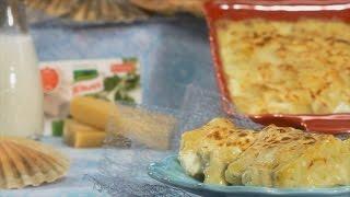 Cubra os lombos de bacalhau com o leite, junte a barra Knorr de tempero de Alho e Salsa e leve a ferver durante 7 a 8 minutos sobre lume brando.