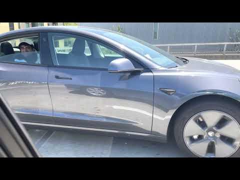 Another dumba** abusing Tesla AP