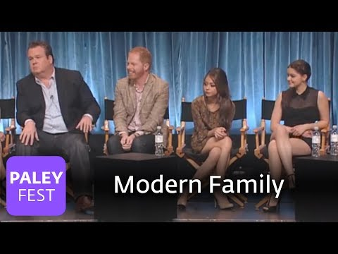 modern family - Cast members Ariel Winter (Alex Dunphy) and Nolan Gould (Luke Dunphy) name their dream guest stars. Executive producer Steven Levitan discusses the