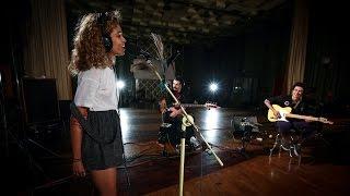 Izzy Bizu - White Tiger (Maida Vale session) - YouTube