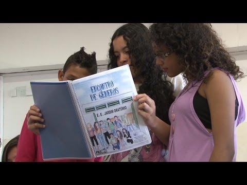 Escola realiza livros com redação de campeonato; veja vídeo - Diário do Grande ABC