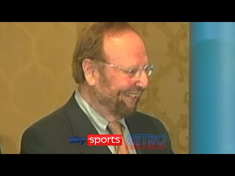 Malcolm Glazer refusing to answer questions about his takeover of Manchester United