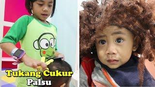 Video Parodi Tukang Cukur Palsu | Rambut Dede Fafa Berubah Jadi Kribo MP3, 3GP, MP4, WEBM, AVI, FLV Juli 2019