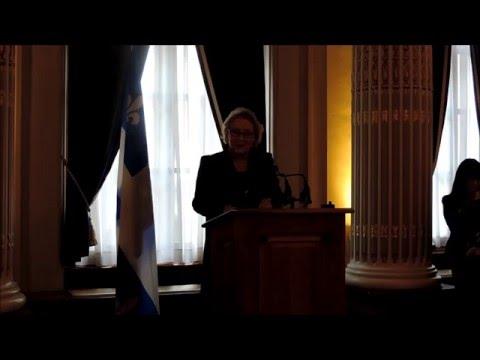 Extraits - Allocution prononcée par Mme Pauline Marois, première première ministre du Québec, Événement En marche pour la parité, 11 avril 2016, Assemblée nationale du Québec