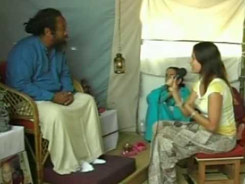 Mooji Video: A Discussion on Aloneness