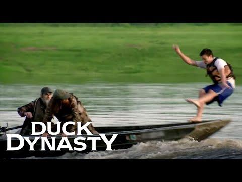 Duck Dynasty: Willie The Joker (Season 6, Episode 2) | Duck Dynasty