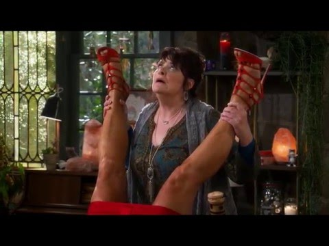 2 Broke Girls S05E16 - Sophie's Ways to Get Pregnant
