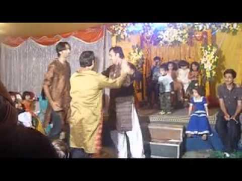 pakistan best dance - Best Ever Shadi Mehndi Dance in Pakistan Mr Raheel Dubai City bank.