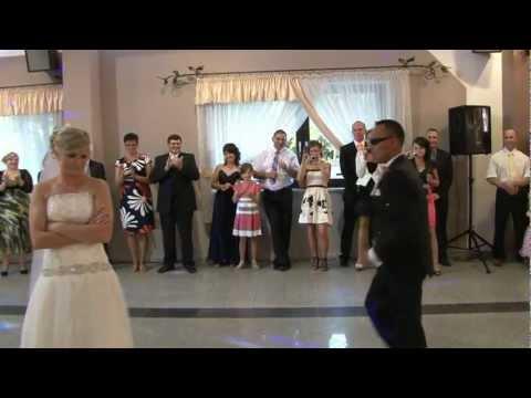 Zaskakujący pierwszy taniec Gosi i Adama. 2012 r.