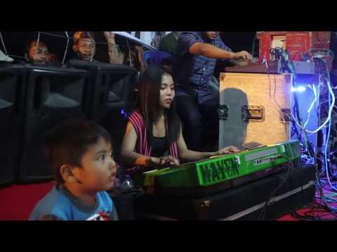 lagu karo Kocakkkk!!! By : ACI SEMBIRING di kampung tarean | with mayen sembiring
