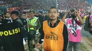 Video Bambang Pamungkas tertibkan The Jakmania MP3, 3GP, MP4, WEBM, AVI, FLV September 2018