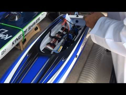 RC speed boat Traxxas SPARTAN Test with NiMH and Lipo Batteries