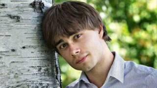 Alexander Rybak Suomi New Song of the new album No Boundaries avec 2 photos d'Alex que j'aime beaucoup.