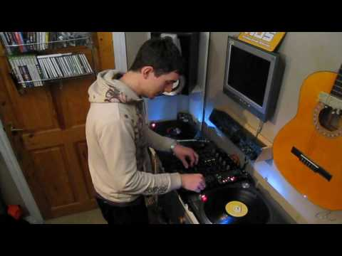 DJ tips and tricks #1: bring a tune out with an echo
