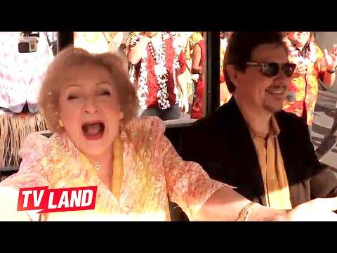 Betty White's 93rd Birthday Flash Mob - Watch online