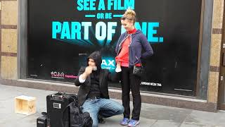 Video Amazing street magician in London MP3, 3GP, MP4, WEBM, AVI, FLV Agustus 2018