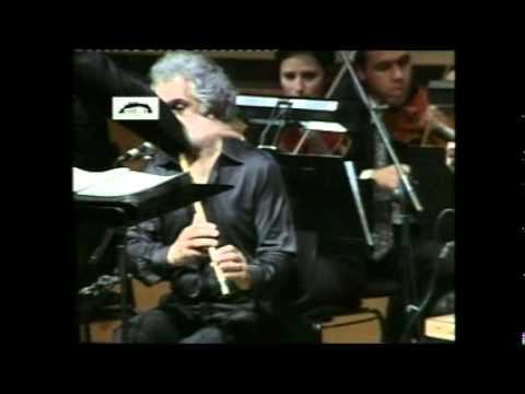 Istanbul Omar Faruk Tekbilek live at the Athens Megaron