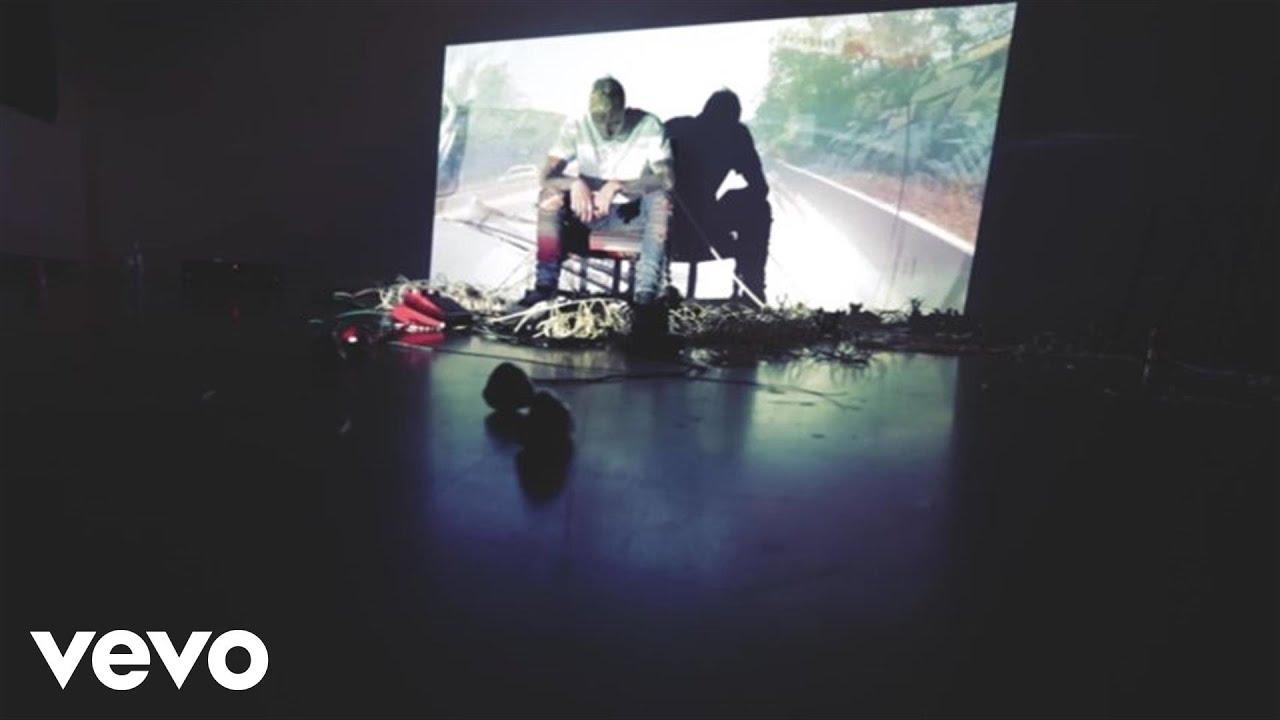 Machine Gun Kelly – Gone (Ft. Leroy Sanchez) (Video)