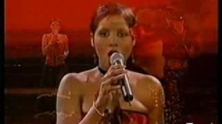 Toni Braxton Spanish Guitar AMA 2001