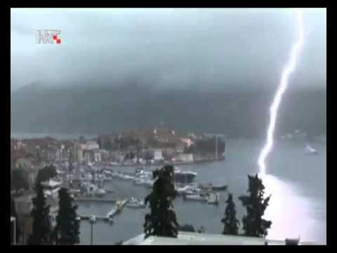 tempesta di fulmini sull'italia, sfiorata una tragedia!