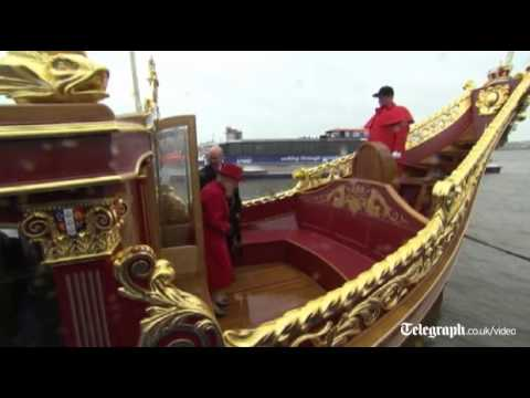 Diamond Jubilee: The Queen Inspects her Jubilee Barge