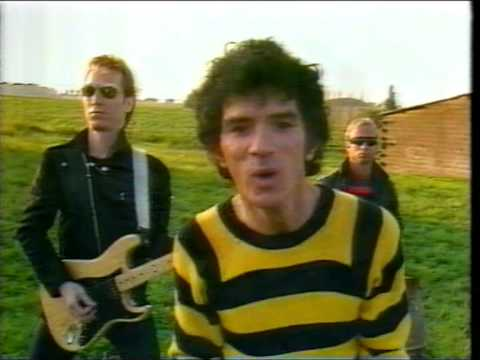 fools - 1980 promo-music-video-clip by American band taken from Australian music program 'rage'.