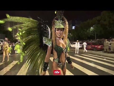 Rio tanzt im Karnevals-Rausch - viel nackte Haut