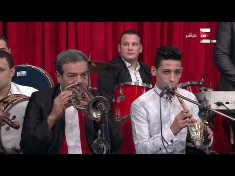 """شاهد- أحمد شيبة يغني موال """"عاشق يا أهلي ويا ناسي"""" في برنامج عمرو أديب"""