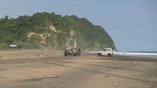 Video Rescue jip di Pantai Dlodo Kabupaten Tulungagung MP3, 3GP, MP4, WEBM, AVI, FLV Juni 2019