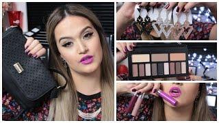 Neste vídeo eu mostro todas minhas compras da 25 de março de maquiagem barata e também de acessórios super em conta como: Bolsas, brincos, paletas, batons lí...