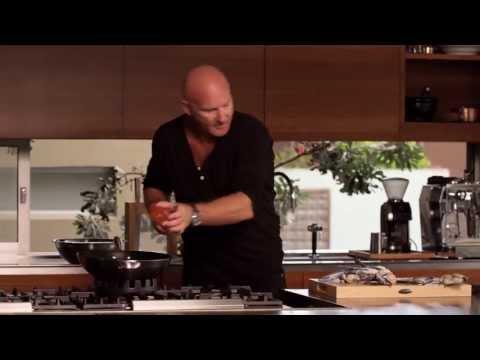 Matt Moran Cooking with SCANPAN – Blue Swimmer Crab with Black Peppercorns