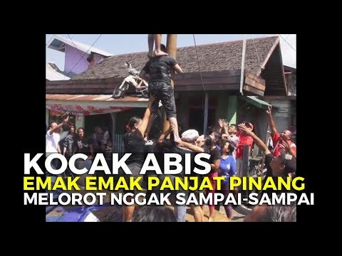 gratis download video - Lucu-Kocak-Panjat-Pinang-Wanita-Melorot-Nggak-Sampai-Sampai