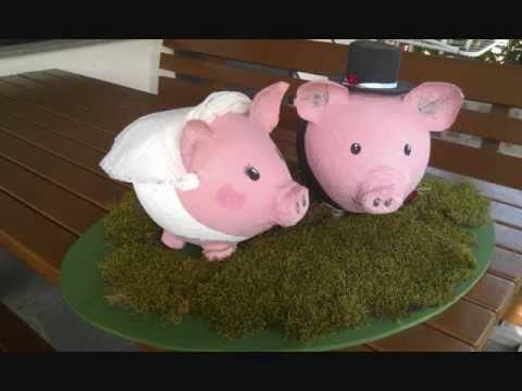 Sparschweine als Brautpaar