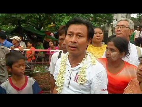 Μιανμάρ: Απελευθερώθηκαν χιλιάδες κρατούμενοι