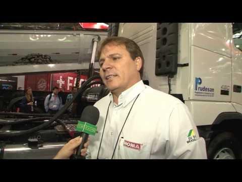 CAVALO MECÂNICO - Veja as características de caminhão com quarto eixo, 8x2.