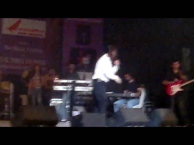 Sonu Nigam Live Kajra Mohabbat Wala Kalaghoda 2011
