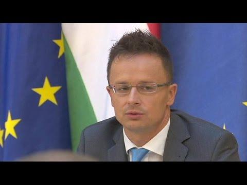 Αβραμόπουλος: «Έχουμε ηθικό καθήκον να παρέχουμε προστασία στους μετανάστες»