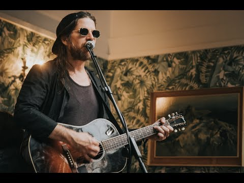 Video Jonathan Wilson performs