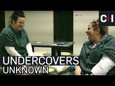 Undercovers In Jail Unknown to Each Other, Strikes Up a Connection | 60 Days In (S2)