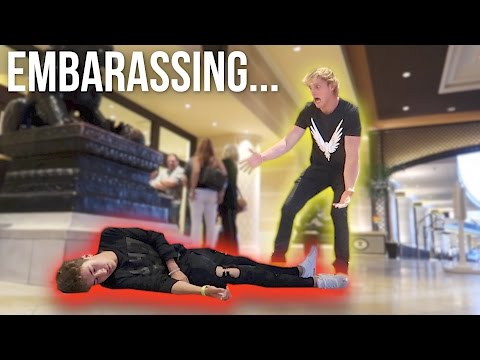 MY BEST FRIEND PASSED OUT IN VEGAS! (видео)