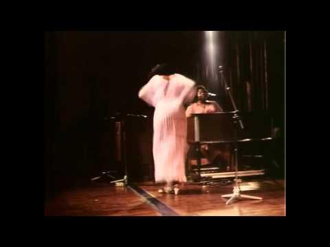 Praising God In The Dance Praise Break!