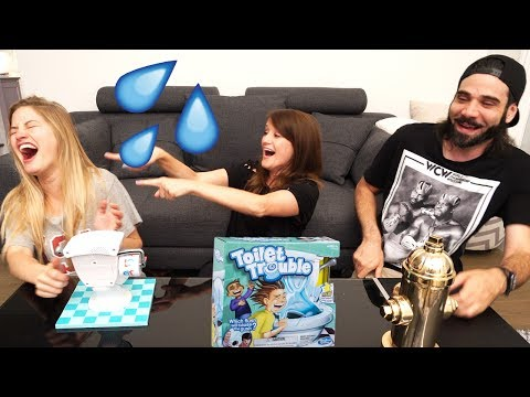 THE WETTEST GAME?! 💦 PLAYING TOILET TROUBLE! 🚽