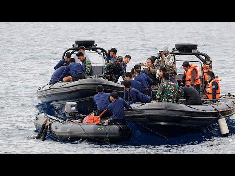 Ινδονησία: Εντείνονται οι έρευνες για τον εντοπισμό της ατράκτου του Boeing…