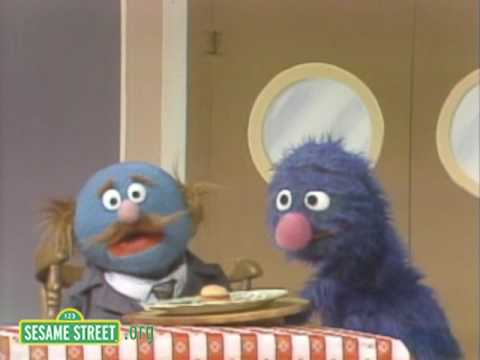 drunk-waiter-videos-grover-serves-burger
