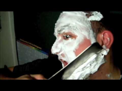 「ハイテンション兄ちゃんによる超ハイテンションな「エクストリーム髭剃り」※危険」のイメージ