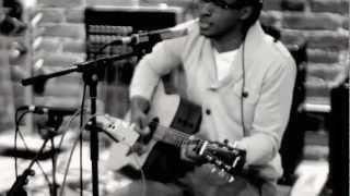 Jonathan McReynolds - Comin' Out (UNPLUGGED)