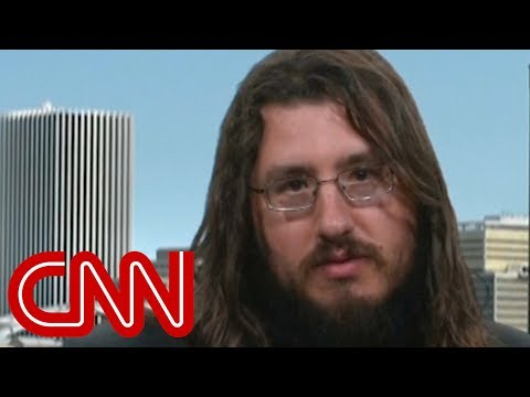 30-year-old evicted from parents' home speaks to CNN (видео)