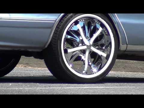 Car Spinners Videos Has Spinners on Their Car